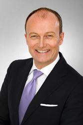 """Alexander Hakenholt, Deutsche Bank Bielefeld: """"Gute Produkte und Leistungen sind die Voraussetzung für unternehmerischen Erfolg. Doch erst die richtige Finanzierungsstrategie münzt diesen Erfolg in nachhaltige Gewinne um."""""""