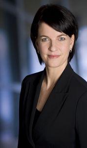 """Professor Dr. Bettina Fischer: """"Der hohe Wettbewerbsdruck auf den Märkten und die globale Vernetzung sind Ursachen dafür, dass der Produktlebenszyklus immer kürzer wird. Insbesondere in gesättigten Märkten müssen Hersteller ständig neue, innovative Produkte anbieten, um sich von der Konkurrenz abzuheben."""""""