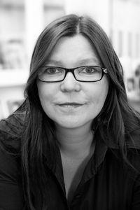 Martina Helmcke, Vorstandsmitglied der Initiative für Beschäftigung OWL  e. V.  begleitet als DIE HELMCKE (www.die-helmcke.de) Netzwerke und Kooperationen.