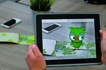 """Mit der """"Erweiterten Realität"""" (engl. Augmented Reality) können lassen sich  Printprodukte zum Leben erwecken.  Foto: Neuland-Medien"""