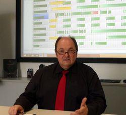 """""""Die Frage, ERP ja oder nein, stellt sich für uns  nicht mehr, denn ohne ERP funktioniert unsere  Fertigung nicht. Andererseits sind Rationalisie- rungseffekte mit ERP sicher zu erreichen.""""    Geschäftsführer Dirk Schwichtenberg   Foto: Rüsing"""
